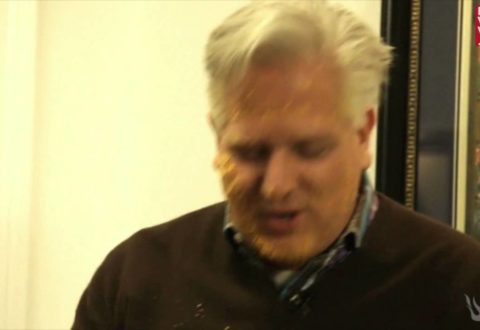Glenn Beck Goes On $300k Cruz Campaign Bender, Fires 40, Rolls His Face In Cheetos
